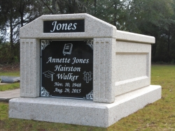 Single deluxe mausoleum with fluted columns in Quincy, FL