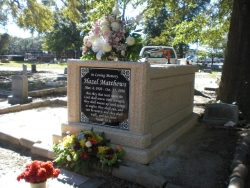 Single Traditional mausoleum in Biloxi, MS
